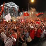 Привърженици на ВМРО-ДПМНЕ поискаха оставка на кабинета на Заев