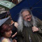 Съмишленици на Босия го призоваха да спре гладната стачка, той отказа
