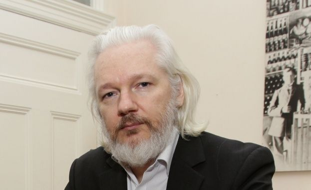 Арестуваха Джулиан Асандж в Лондон