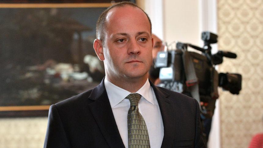 """""""Демократична България"""" влиза в европарламента, печели изборите в чужбина"""