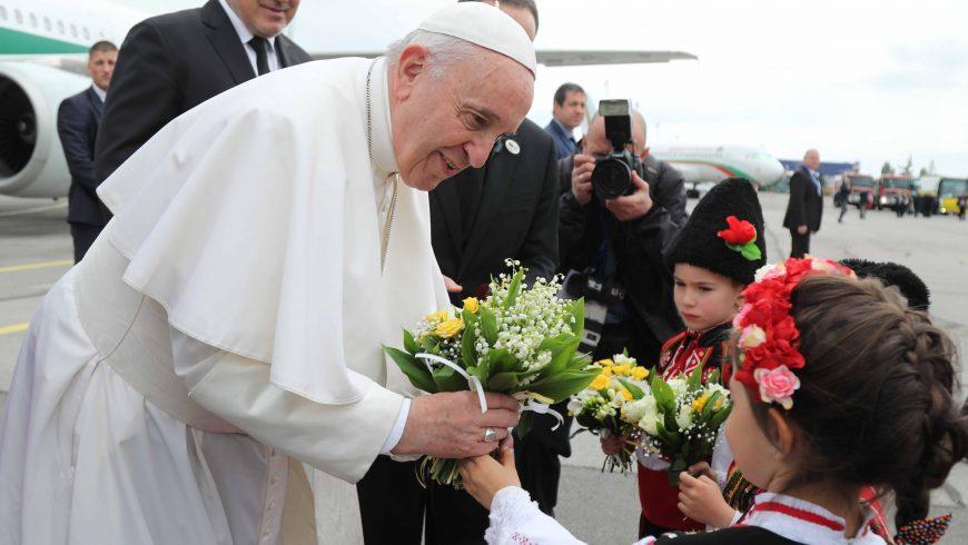 Папа Франциск: България е мост между Източна и Южна Европа