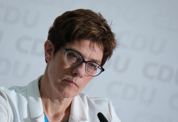 """В Германия заговориха за """"криза"""", ако Фон дер Лайен не бъде избрана"""
