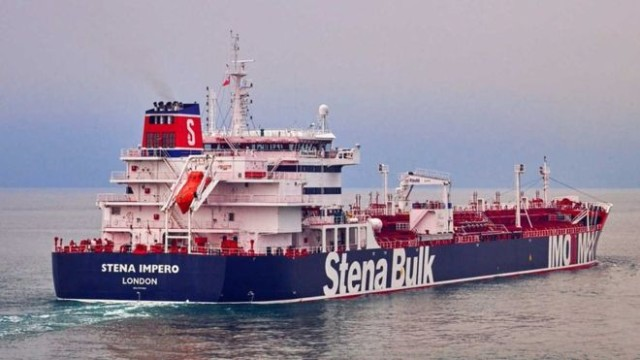 Иран задържа два британски танкера в Персийския залив
