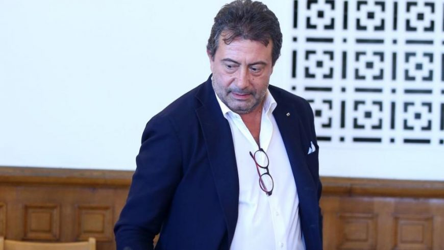 """Каменаров взел 150 000 евро в """"устен договор"""", жена му – 170 000 лв. потребителски кредит"""