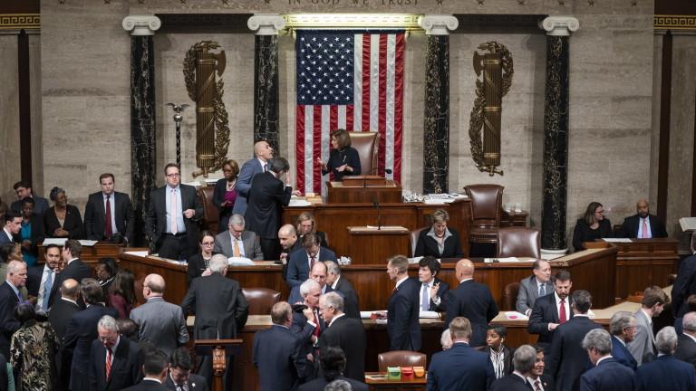 Камарата на представителите гласува за импийчмънт на Тръмп